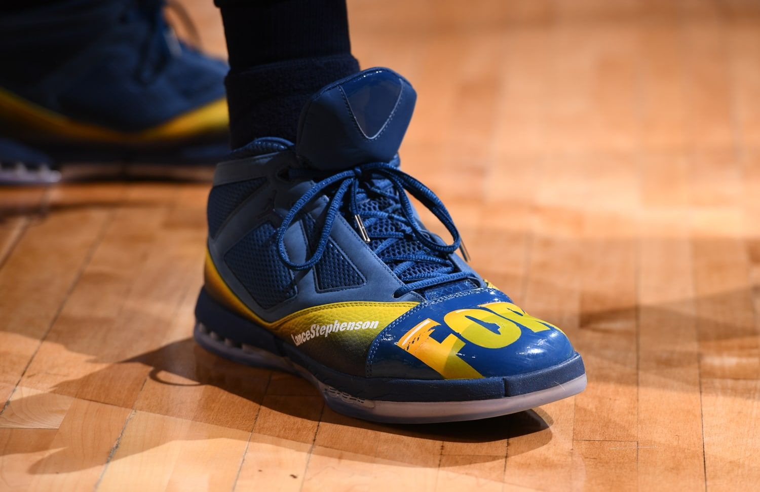 "Molestia Injerto Discriminación  The Trophy Room x Air Jordan XVI Retro in the ""Fortnite"" Lance Stephenson  PE colorway! 