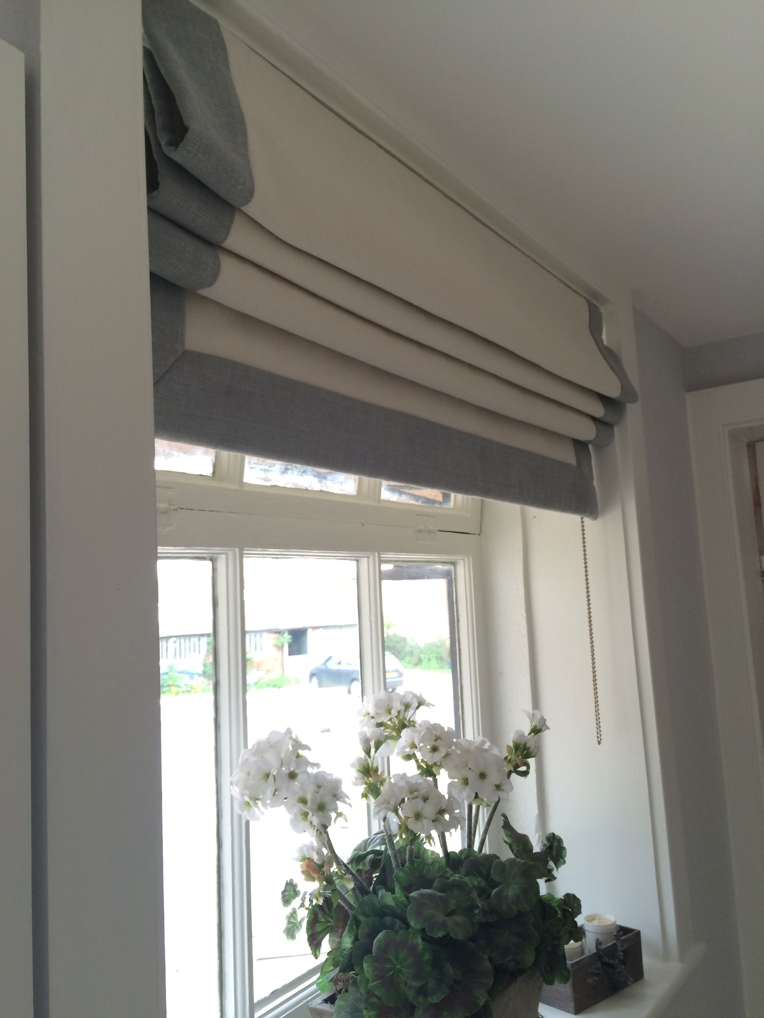 Roman Blind With Border On Three Sides In Romo Linara