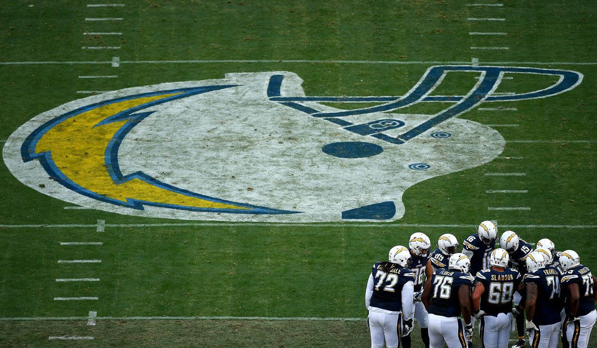 c98f4084 Double-teamed: Chargers make move to Los Angeles official ...