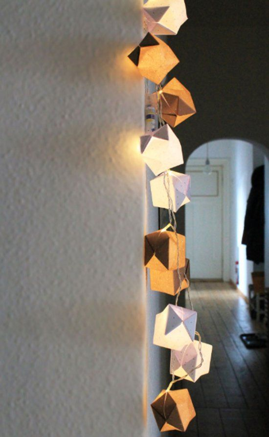 Bastelanleitungen: Origami-Lichterkette basteln - einfach selbstgemacht - BRIGITTE