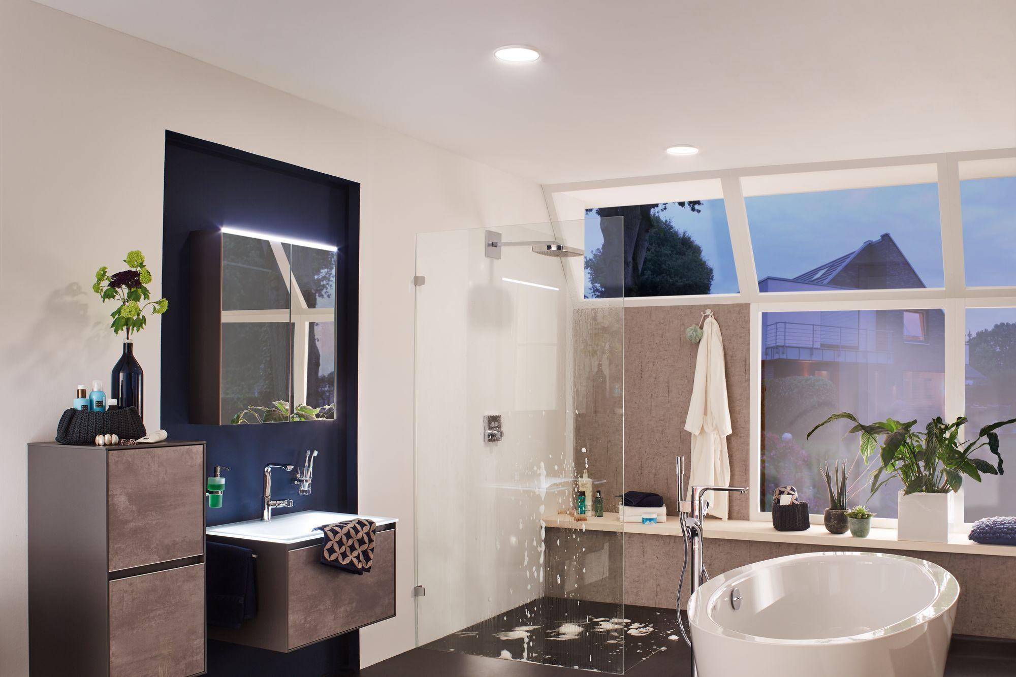 Gleichmassiges Flachiges Licht Im Bad Hilft Beim Allmorgendlichen Zurechtmachen Und Wenn Es Mal Gemutlicher Badezimmerbeleuchtung Badezimmer Licht Paulmann