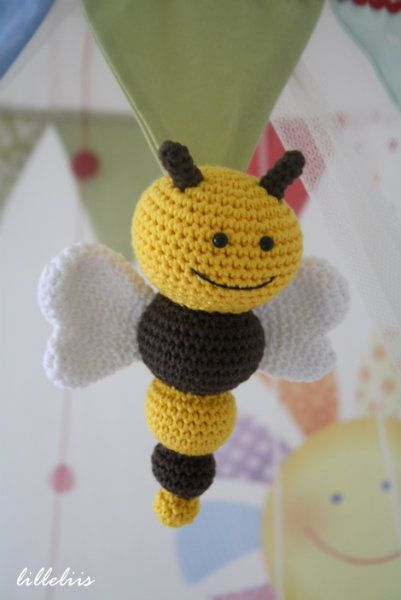 Pin de Beatriz Ruiz en Labores | Pinterest | Abeja, Ganchillo y Tejido