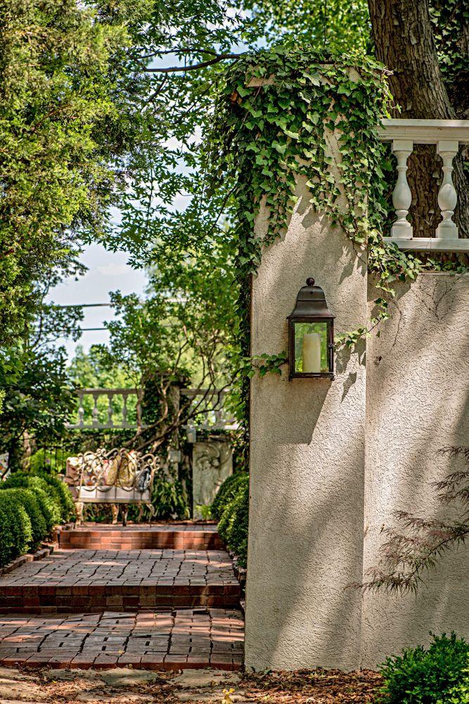 Beautiful vine covered courtyard - side yard #CourtYard #Landscape #Outdoor  ༺༺  ❤ ℭƘ ༻༻  IrvineHomeBlog.com