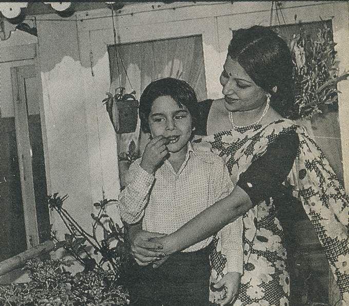 Retro Bollywood | Vintage bollywood, Bollywood photos, Bollywood