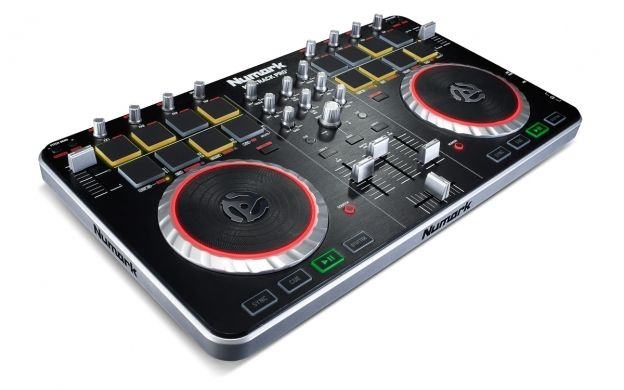 Update Numark Mixtrack Pro 2 Driver Latest Version Program In Windows 8 Os 32 Bit 2020 Official Updated 10 Jul 2020 07 27 Window In 2020 Digital Dj Dj Equipment Audio