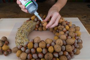Photo of Cool … why not think of it earlier. Glue nuts with assembly glue. Easy …