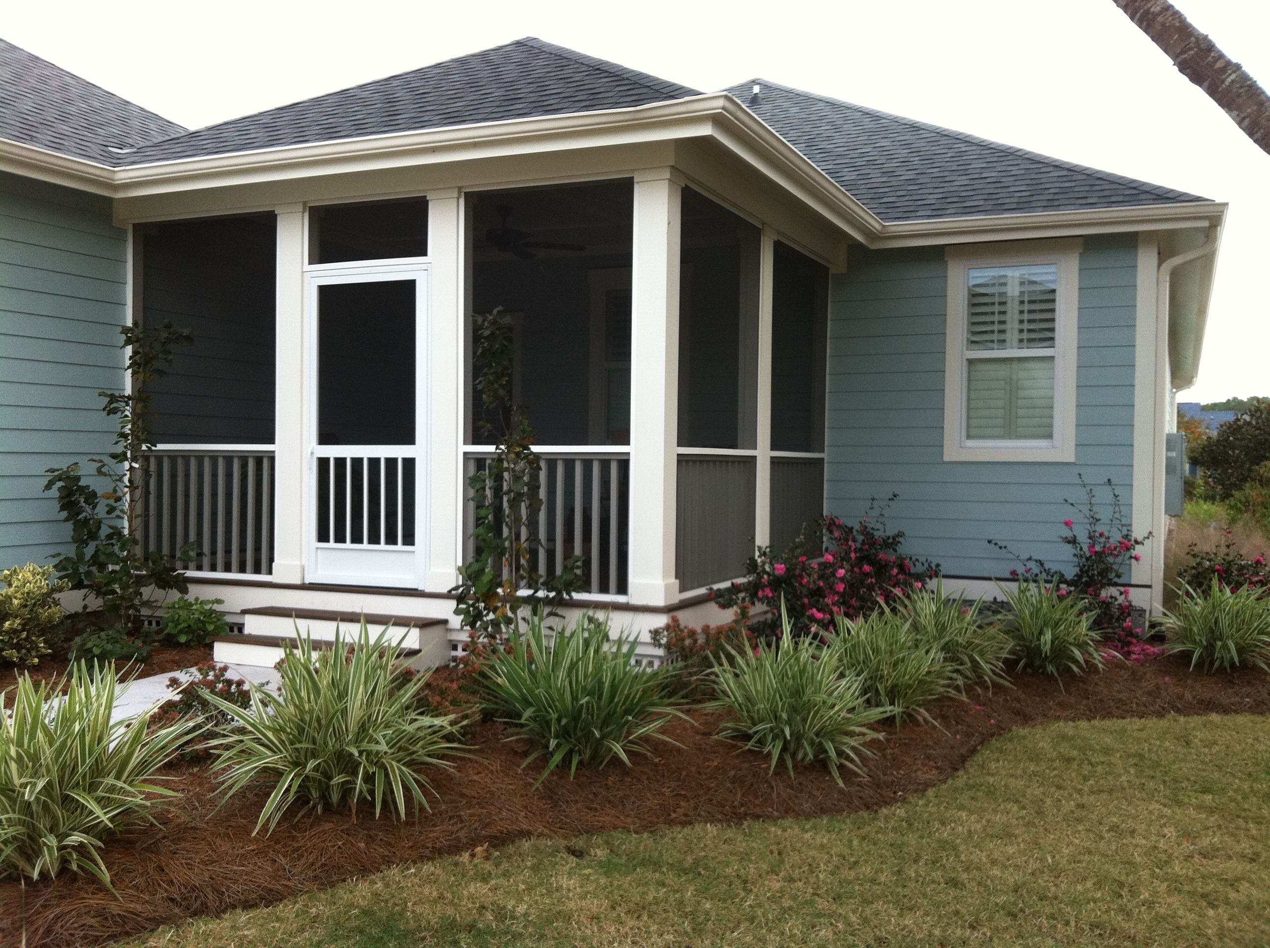 Bm Wedgewood Gray Exterior With White Down Trim In Shade