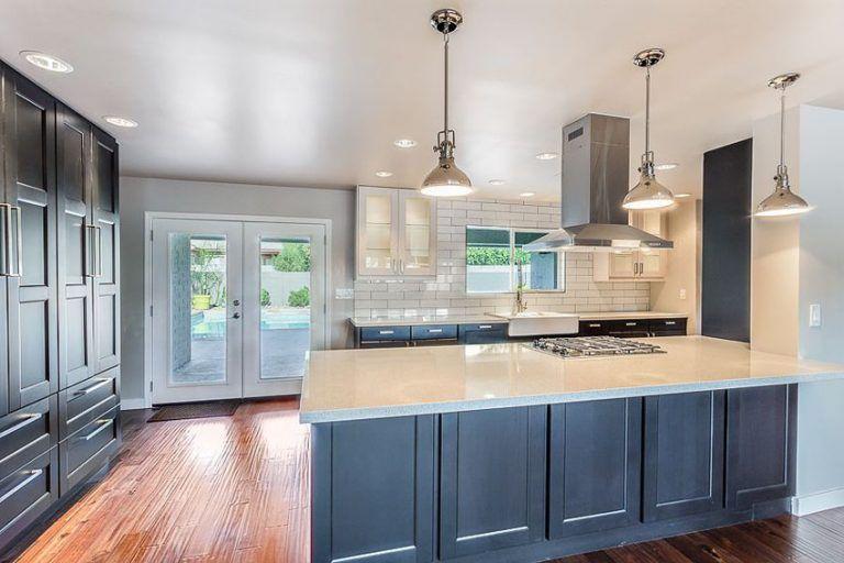 33 Blue And White Kitchens Design Ideas Blue Cabinets Blue Kitchen Cabinets White Countertops
