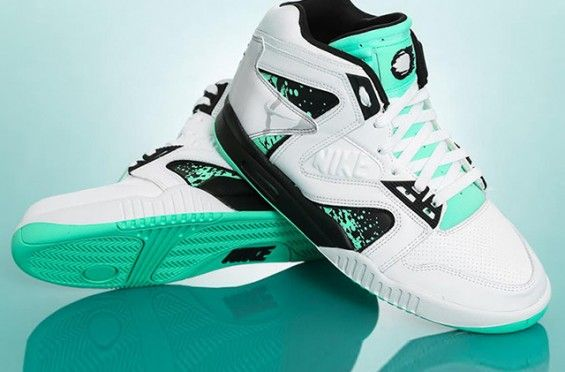Nike Air Tech Challenge Hybrid – Green Glow