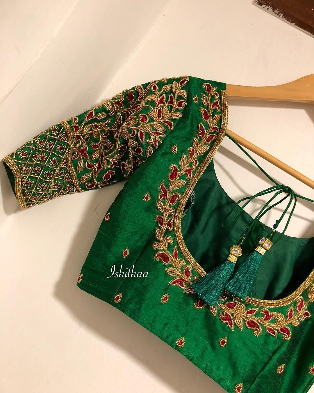6c558ccdebea66 This blouse from Ishithaa design house which stole many of our hearts !  Beautiful bottle green