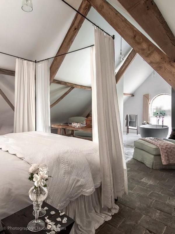 5 id es pour am nager ses combles en une belle suite. Black Bedroom Furniture Sets. Home Design Ideas