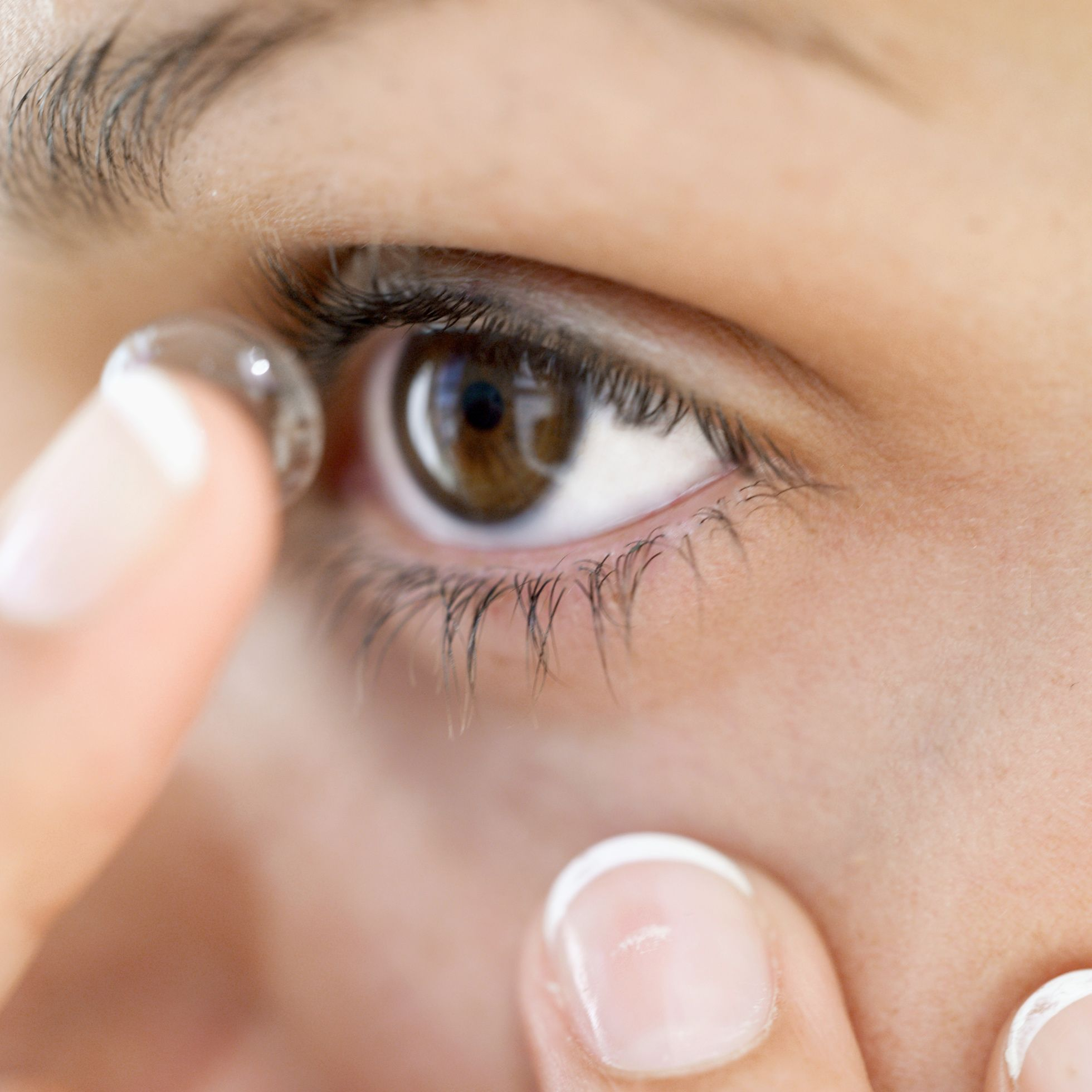 What Every Contact Lens Wearer Needs to Know Eye makeup
