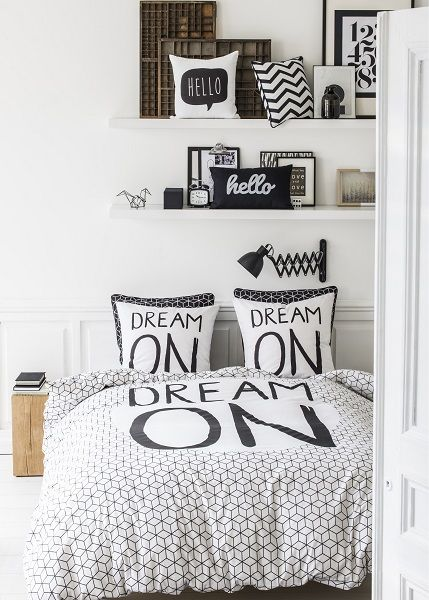 kolorados decoration petite chambre ado fille garcon housse de couette 2 personnes dream on. Black Bedroom Furniture Sets. Home Design Ideas
