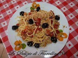 Le Delizie di Fiorellina84: Spaghetti con tonno e pomodorino ciliegino semisec...