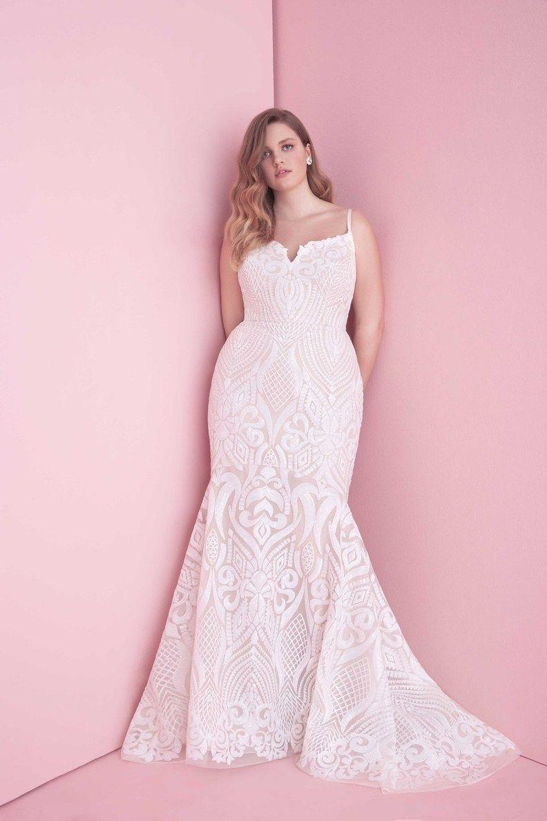 35 Designer Plus Size Wedding Dresses We Love | LT Wedding Dresses ...