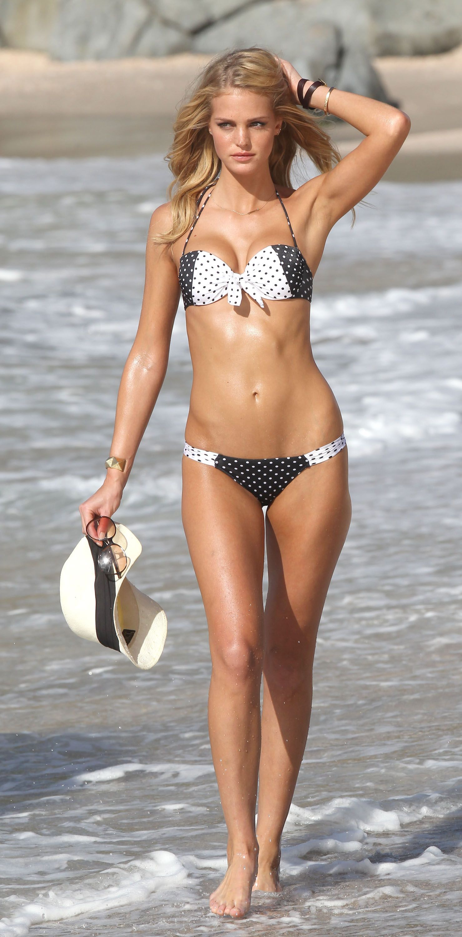 Erin Heatherton Shows Off Her Bikini Body - Fab Fashion Fix Victoria Secret  Bikini 7e1c8b95ed