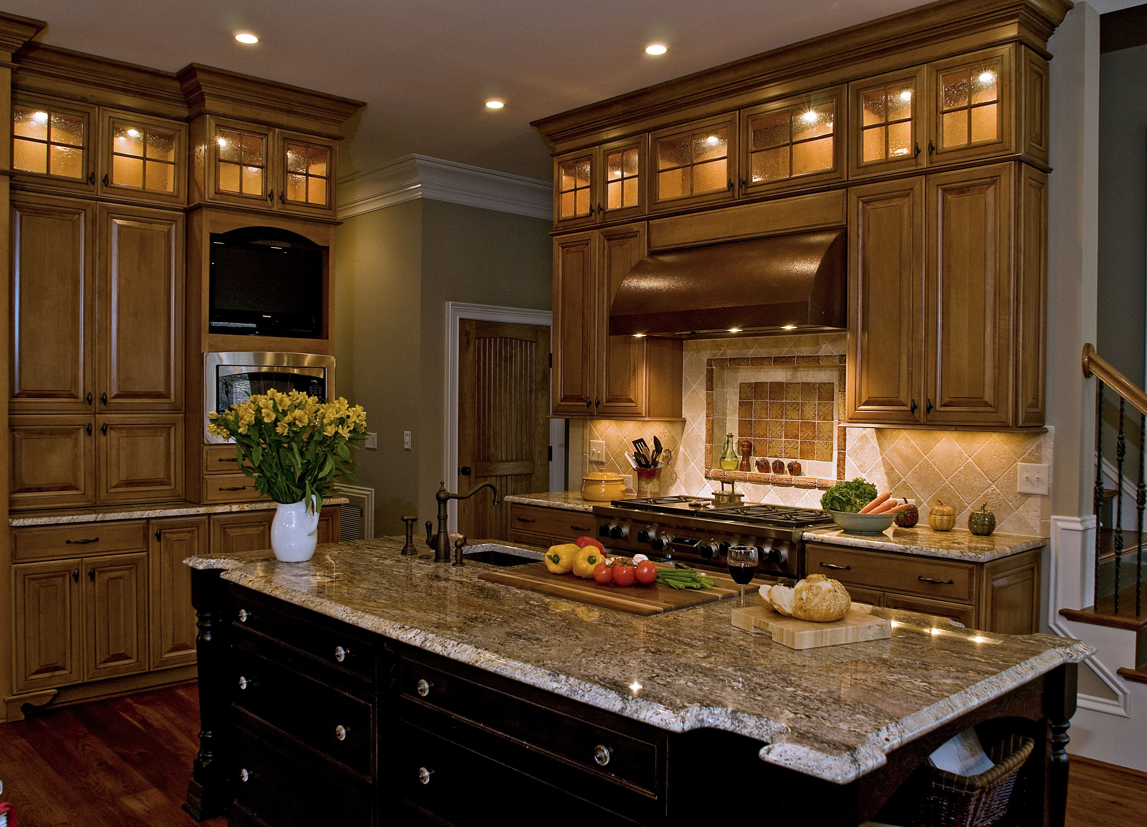 Great use of Transom Cabinets and lighting by Shawn Gukelberger ...