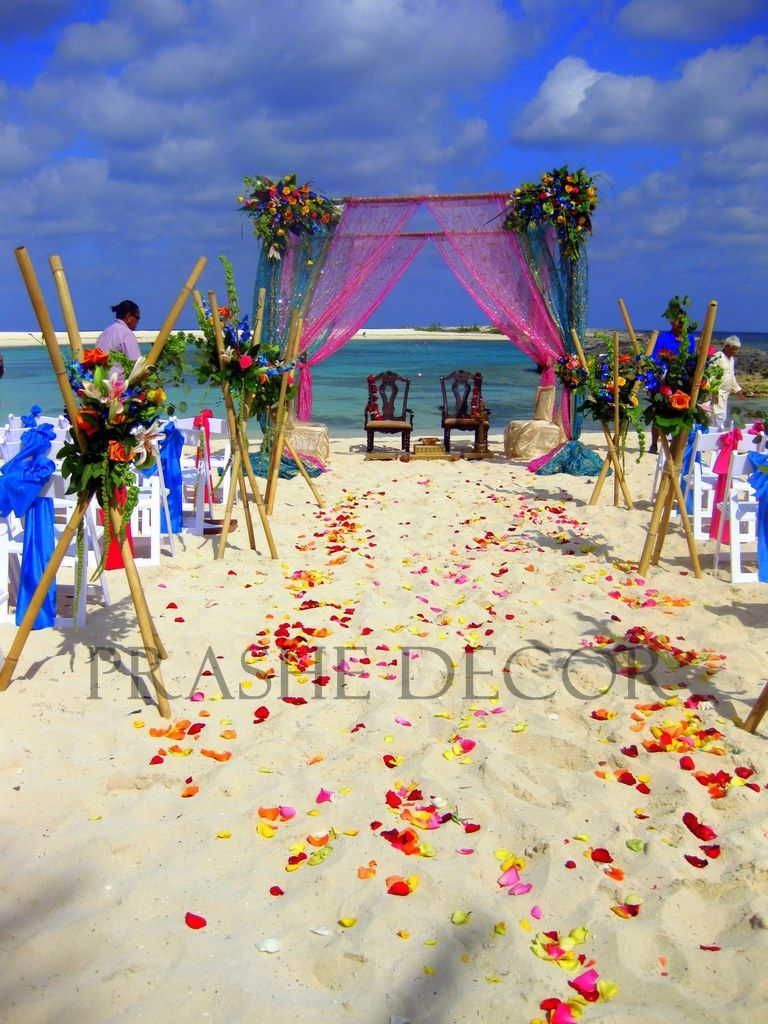 i want a beach wedding soo bad!