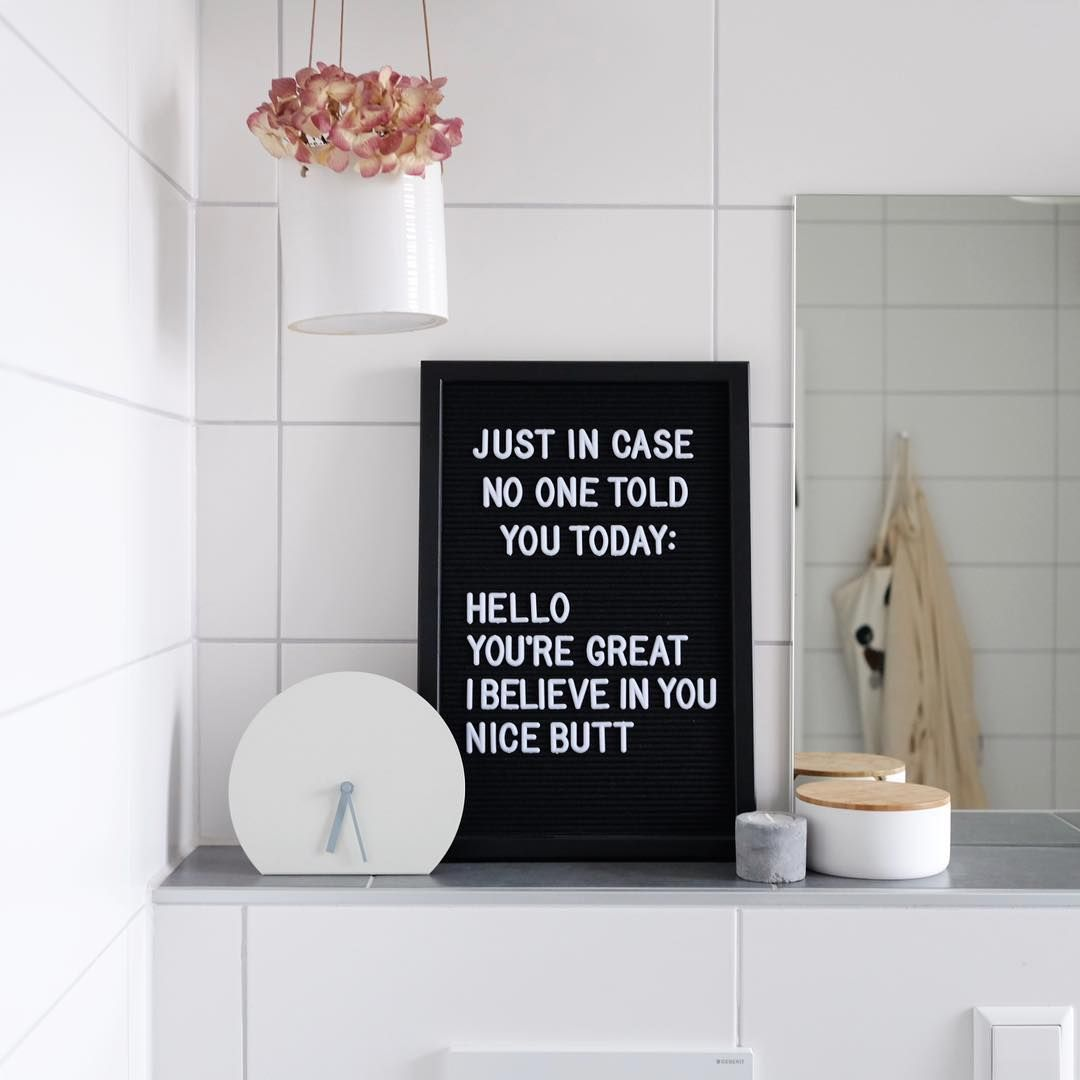 Letterboard Im Bad Fur Komplimente Am Morgen Letterboard Spruche Uhr Badezimmer Bathroom Bathroom Quotes Bathroom Clock Letter Board