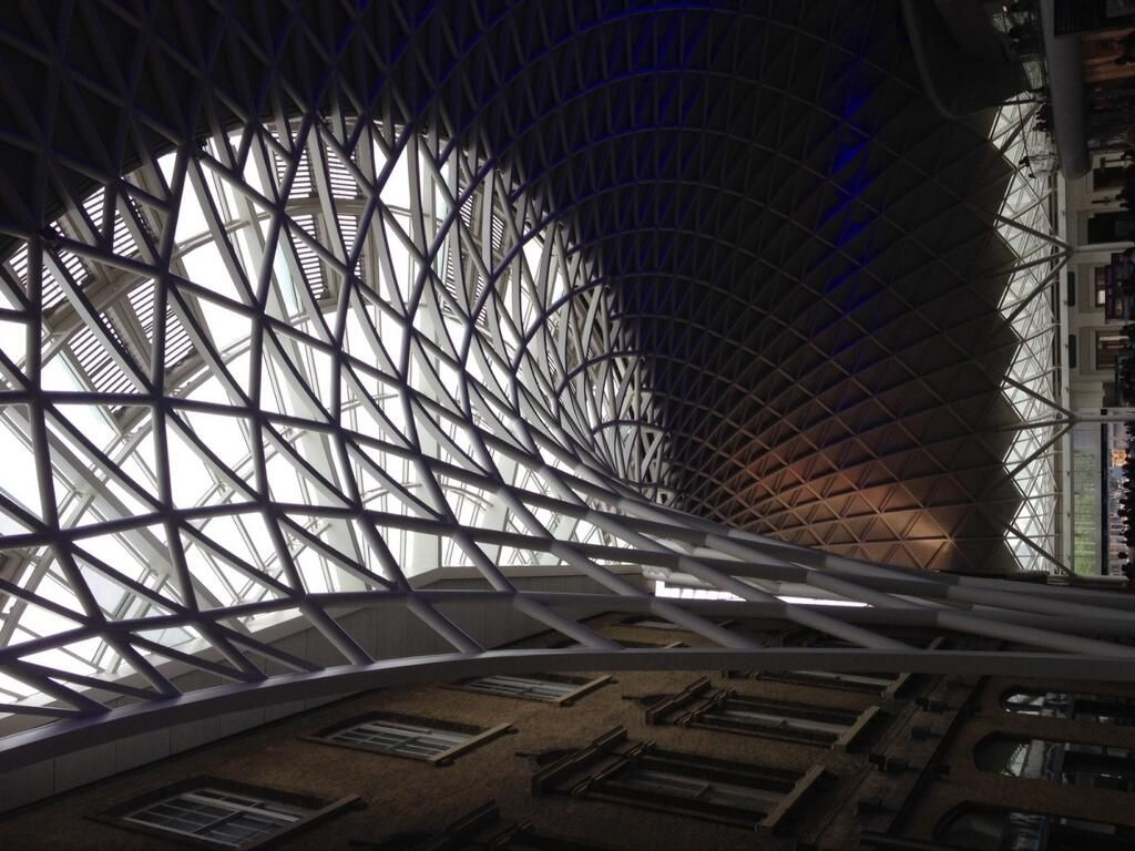 #outsndaboutin Kings Cross a great example of merging the new and the old. pic.twitter.com/OvLlmuy1FS