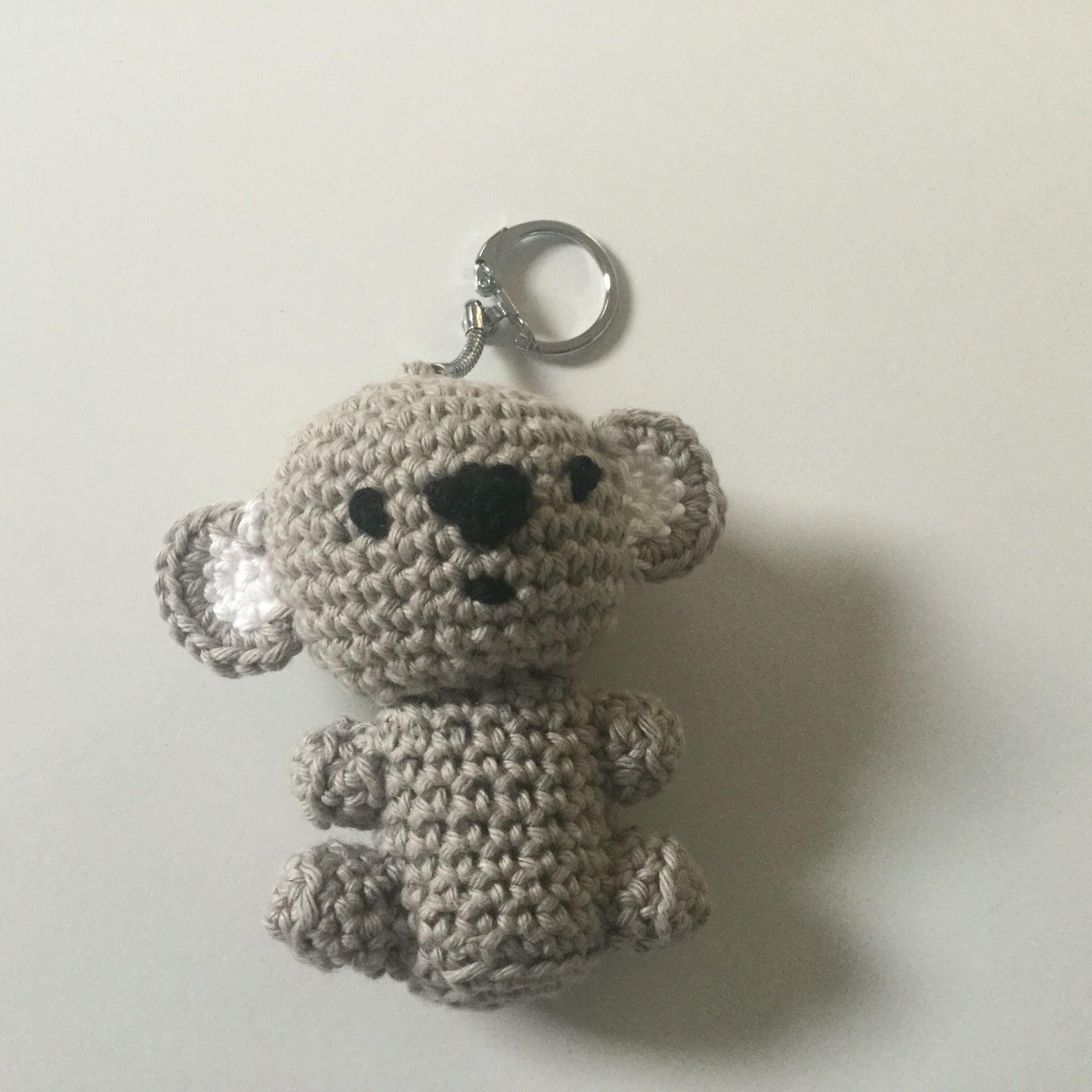 Gehaakte panda beer sleutelhanger.