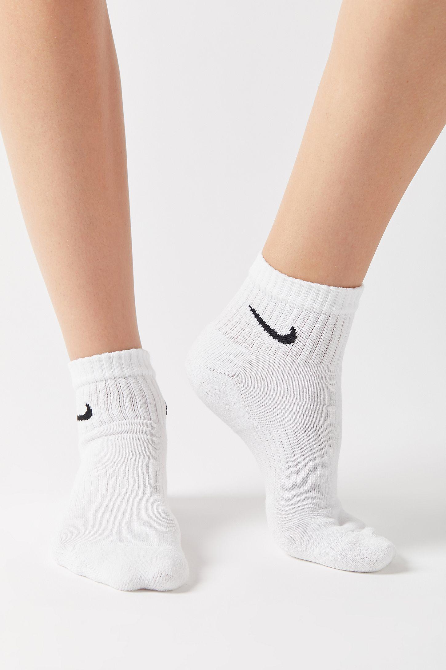 Nike Everyday Cushion Quarter Sock 6 Pack In 2020 Nike Socks Outfit White Nike Socks Nike Socks Women