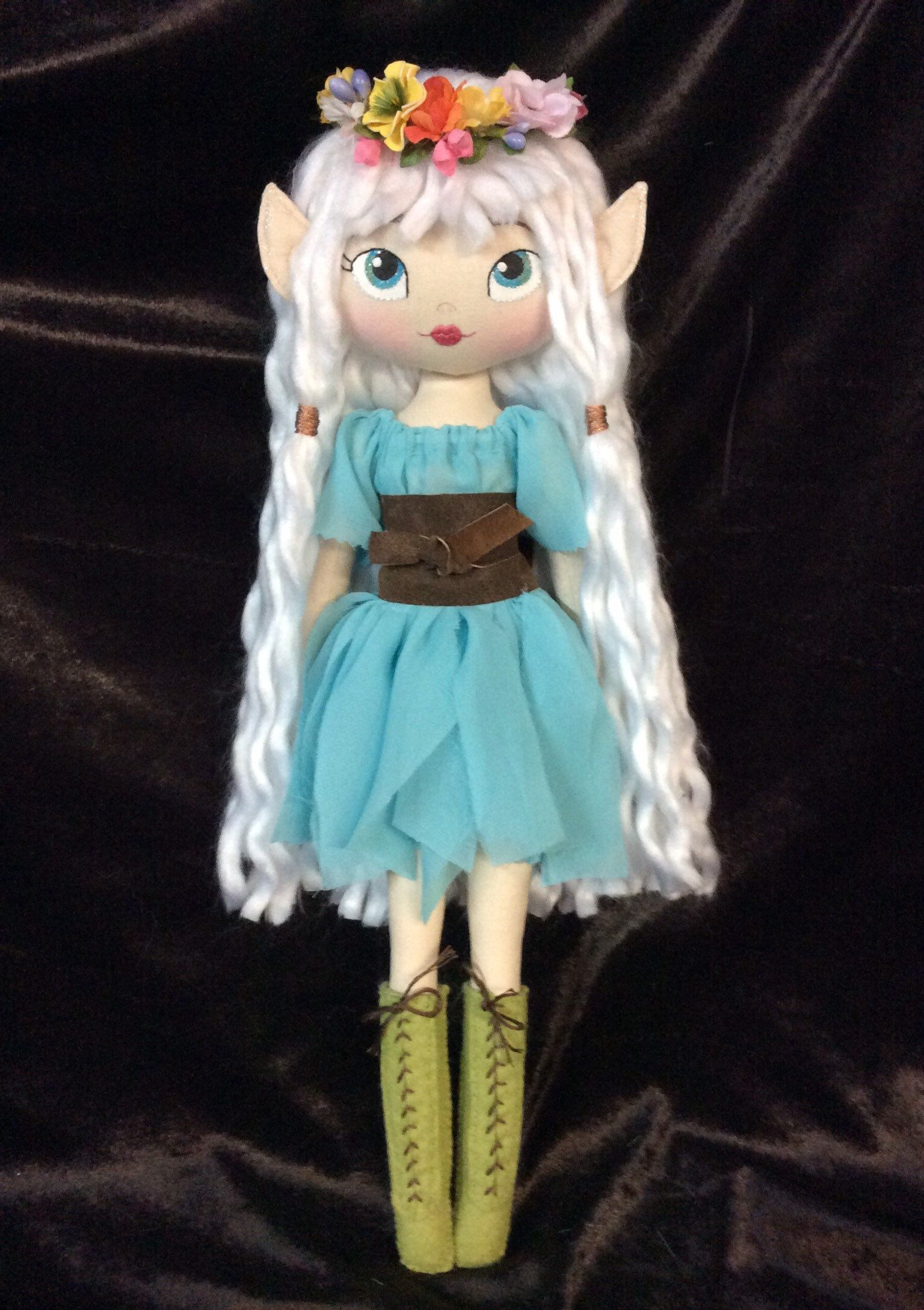 Beautiful Elf Doll (With images) Elf doll, Crochet doll