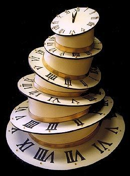 Perfect clock cake for a fairytale themed wedding #WeddingCake #FairyTaleWedding