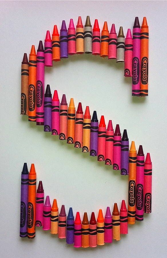 crayola letter art in blues or pinks