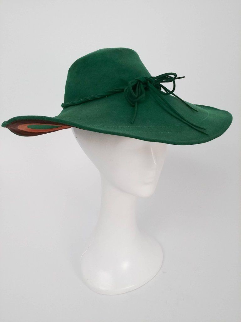 a0d9c83c79b 1940s green wide-brimmed wool felt hat. Love the shaping and love the felt