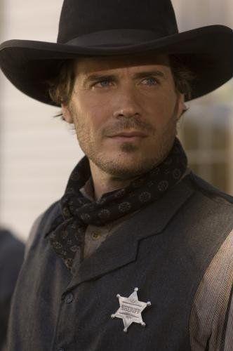 ETHAN GALLAGHER, protagonista de mi novela DAMA DE TRÉBOLES Así lo veo yo, si le quitamos la estrella de sheriff.