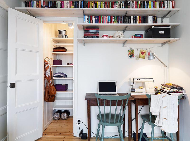 die decken k nnten wir wenigstens im g stezimmer gut f r stauraum nutzen etwas sch ner. Black Bedroom Furniture Sets. Home Design Ideas