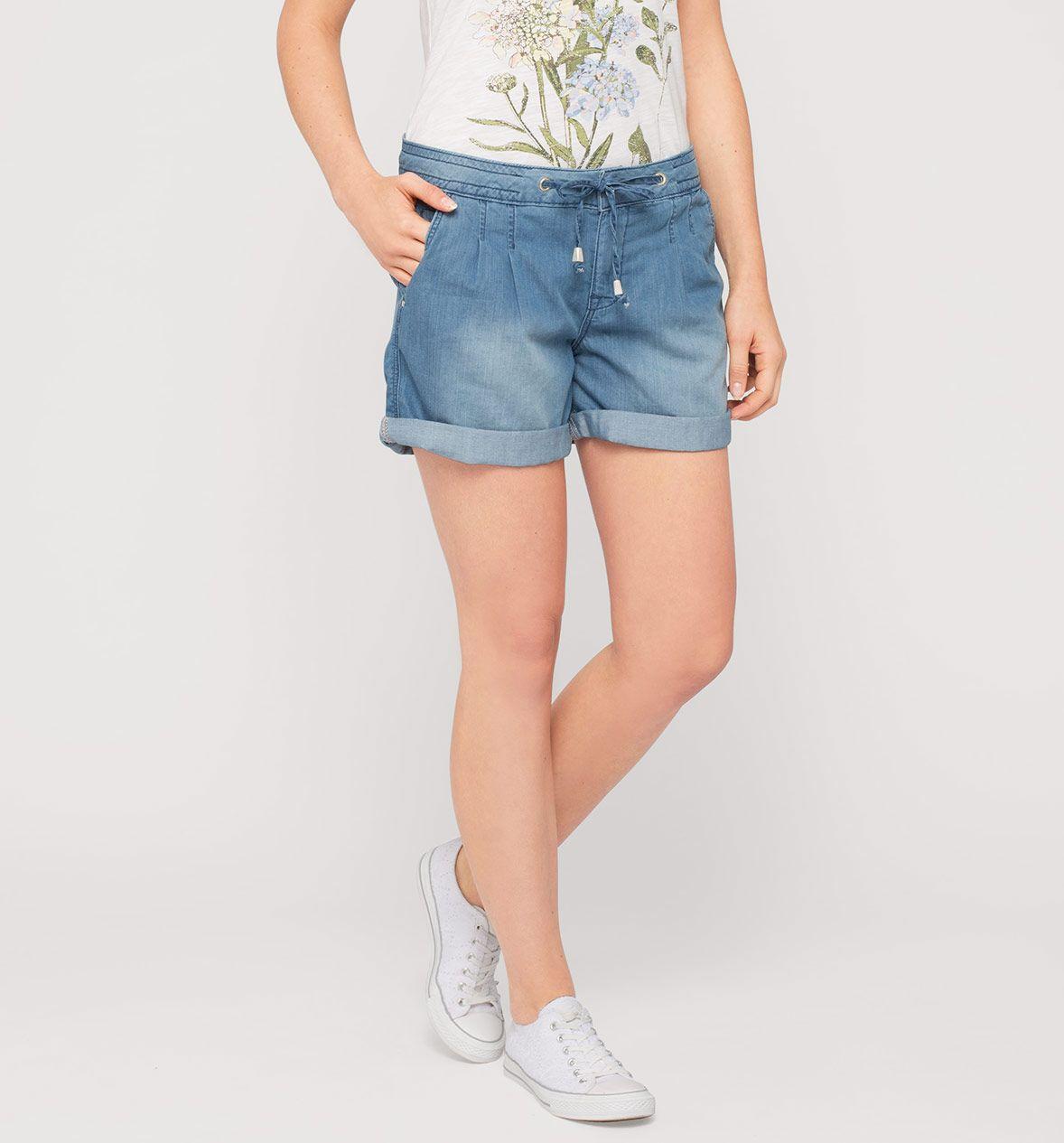 Krotkie Spodnie Z Dzialu Kobiety Kolor Niebieski Niskie Ceny W Sklepie C A On Line Womens Shorts Fashion Women