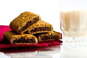 ***¿Cómo hacer Galletas Newton?*** Aprende cómo hacer galletas Newton en casa, fácil, con el tradicional relleno de higos u otro que prefieras, siguiendo esta genial receta...SIGUE LEYENDO EN... http://cocina.comohacerpara.com/n10923/como-hacer-galletas-newton.html
