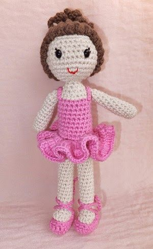 Amy the Amigurumi Doll - A Free Crochet Pattern - Grace and Yarn | 488x300
