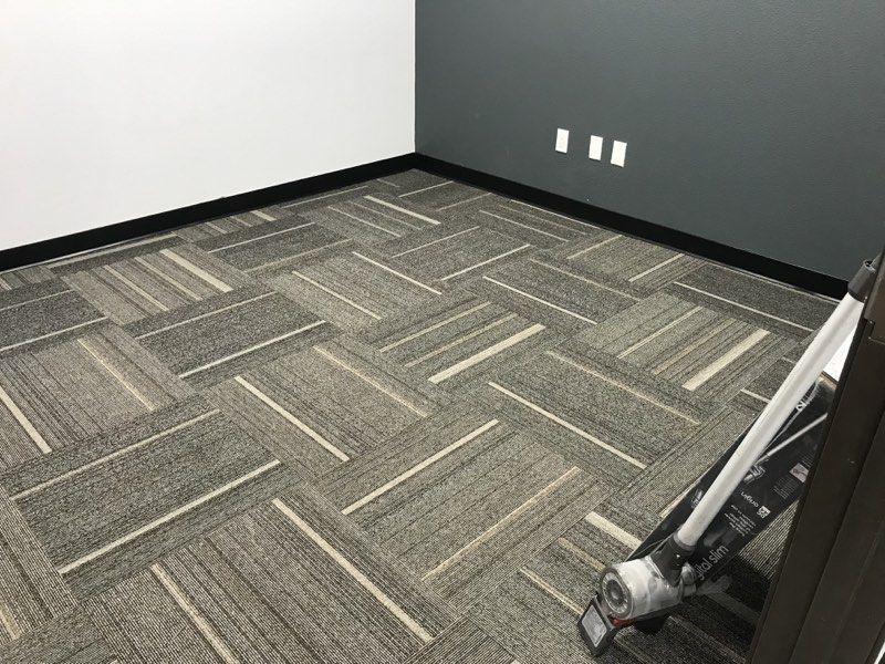 The Advantages And Disadvantages Of Using Floor Carpet Tiles Yonohomedesign Com Floor Carpet Tiles Carpet Tiles Carpet Installation