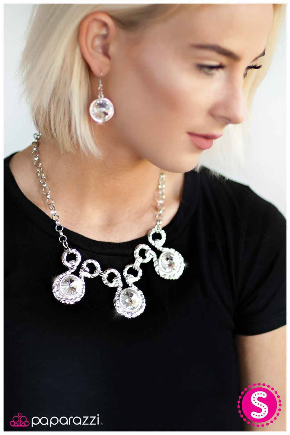 Christmas Party? Valentines Day coming great necklace/earring set $5  www.sasnstyle.com