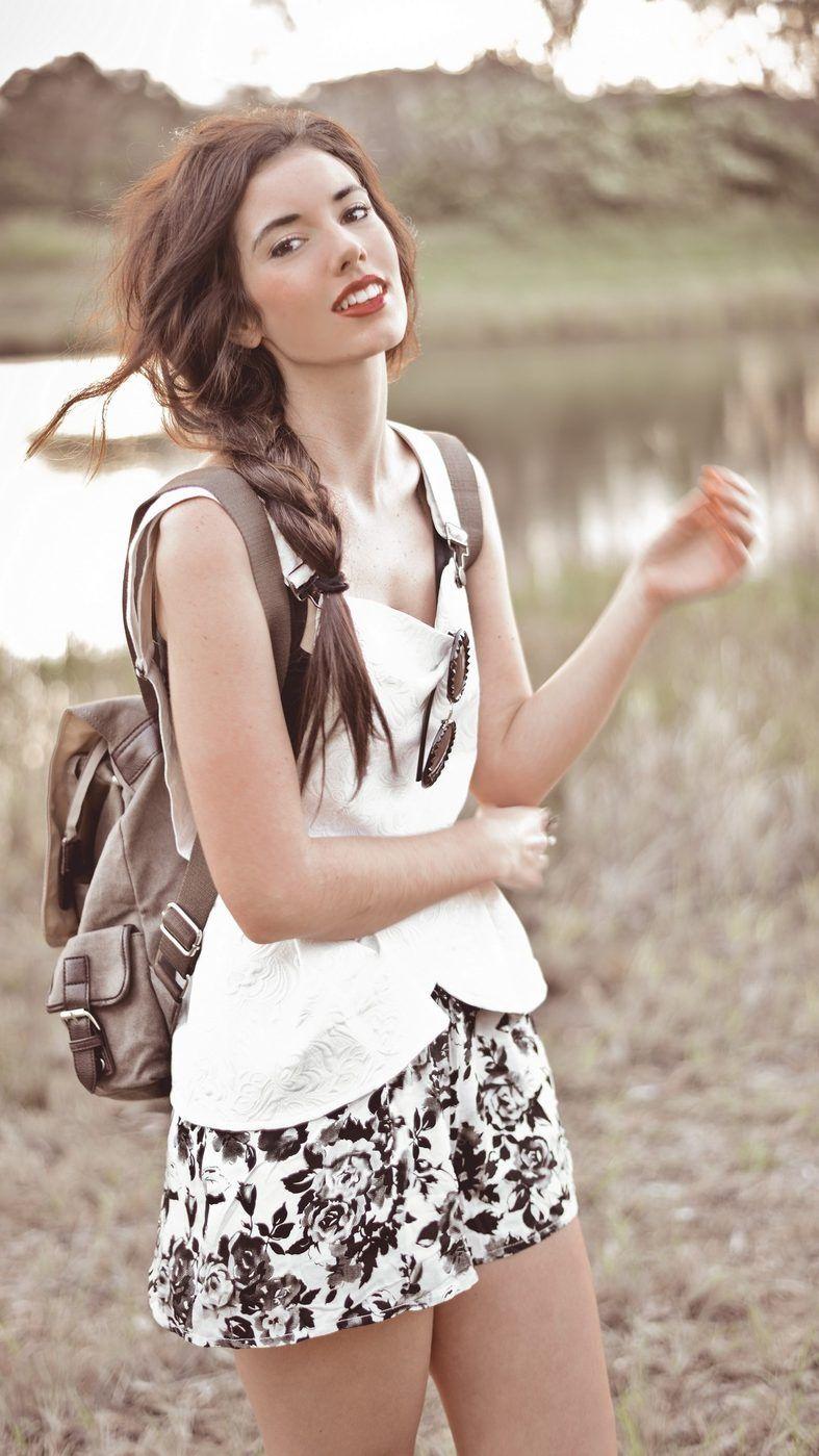 Black u white floral yariiix garciiia pinterest floral shorts