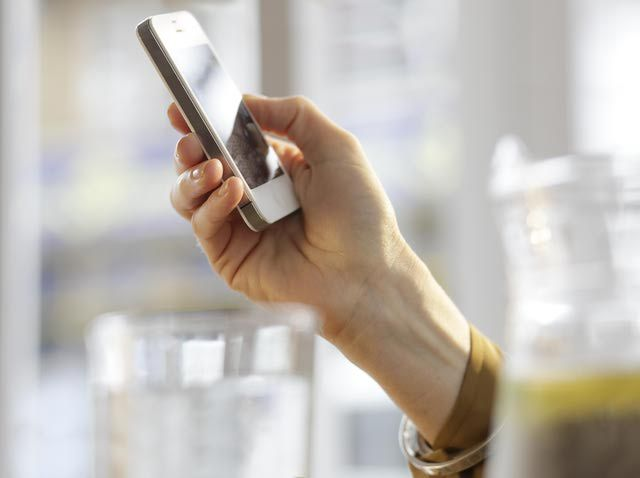 5 Ways to Get Coupons on Your Phone: Yowza