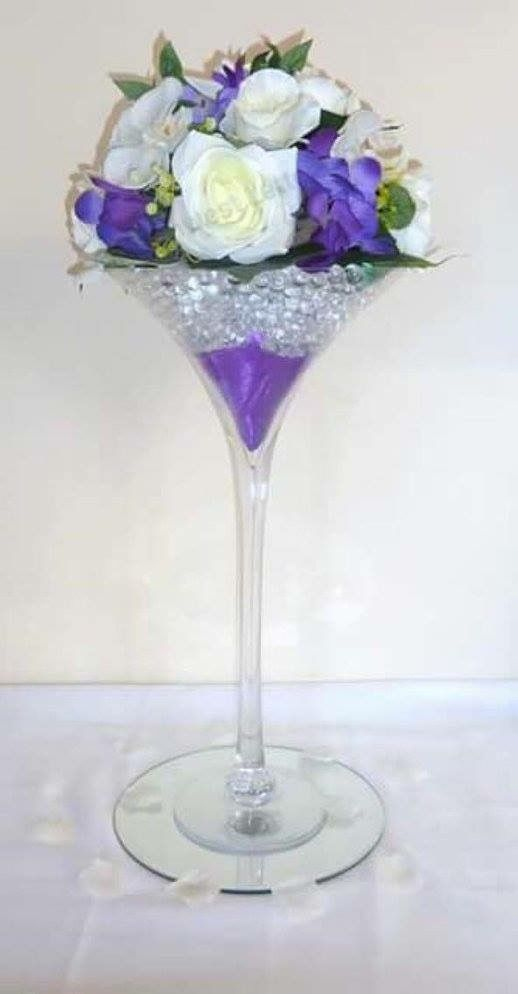 These Elegant Martini Glass Vases Add Sophistication To Any Event