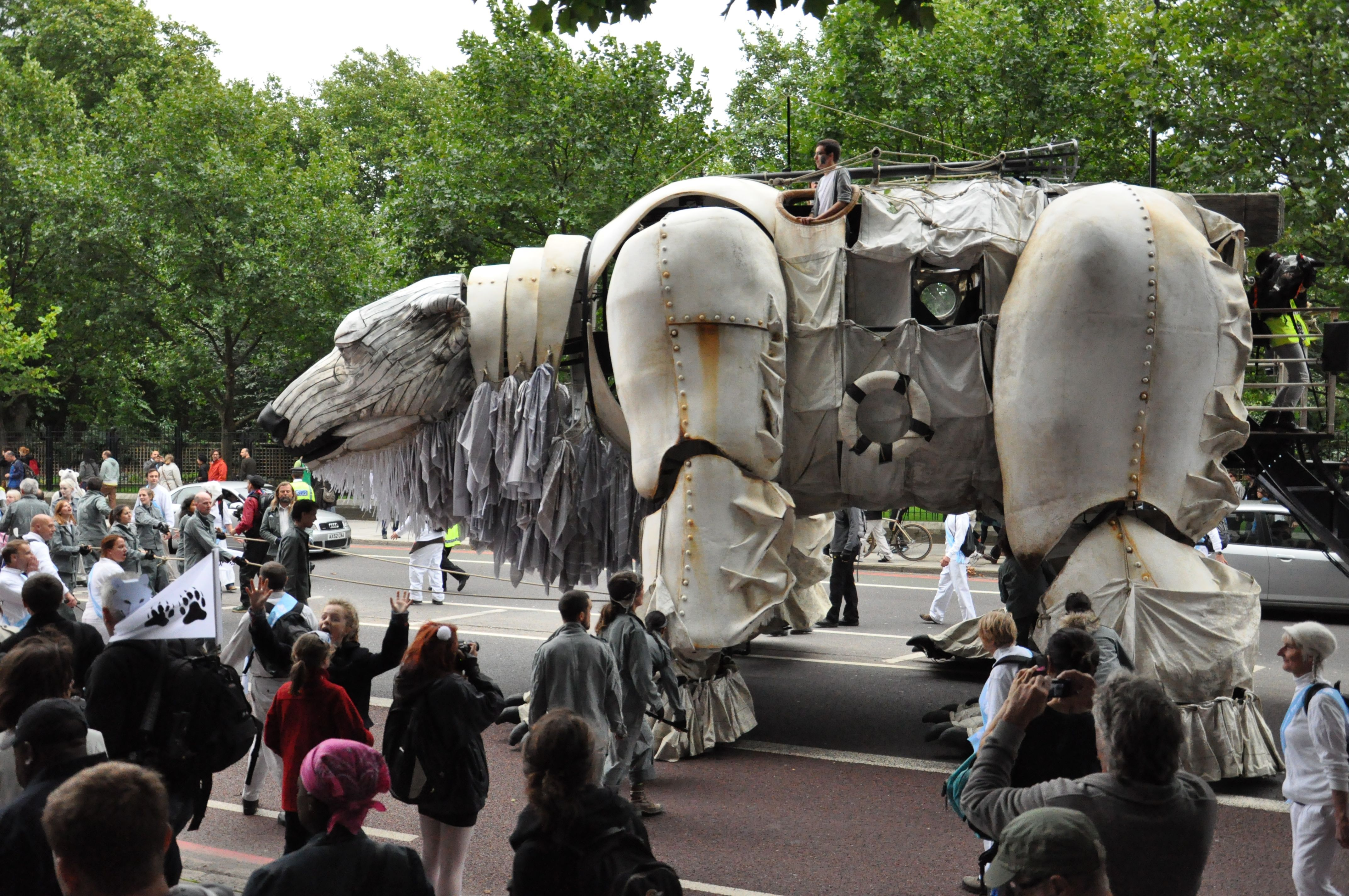 Greenpeace Campaign Action Greenpeace A Giant People Powered Polar Bear Being Paraded Through Central London Auror Save The Arctic Giant People Polar Bear