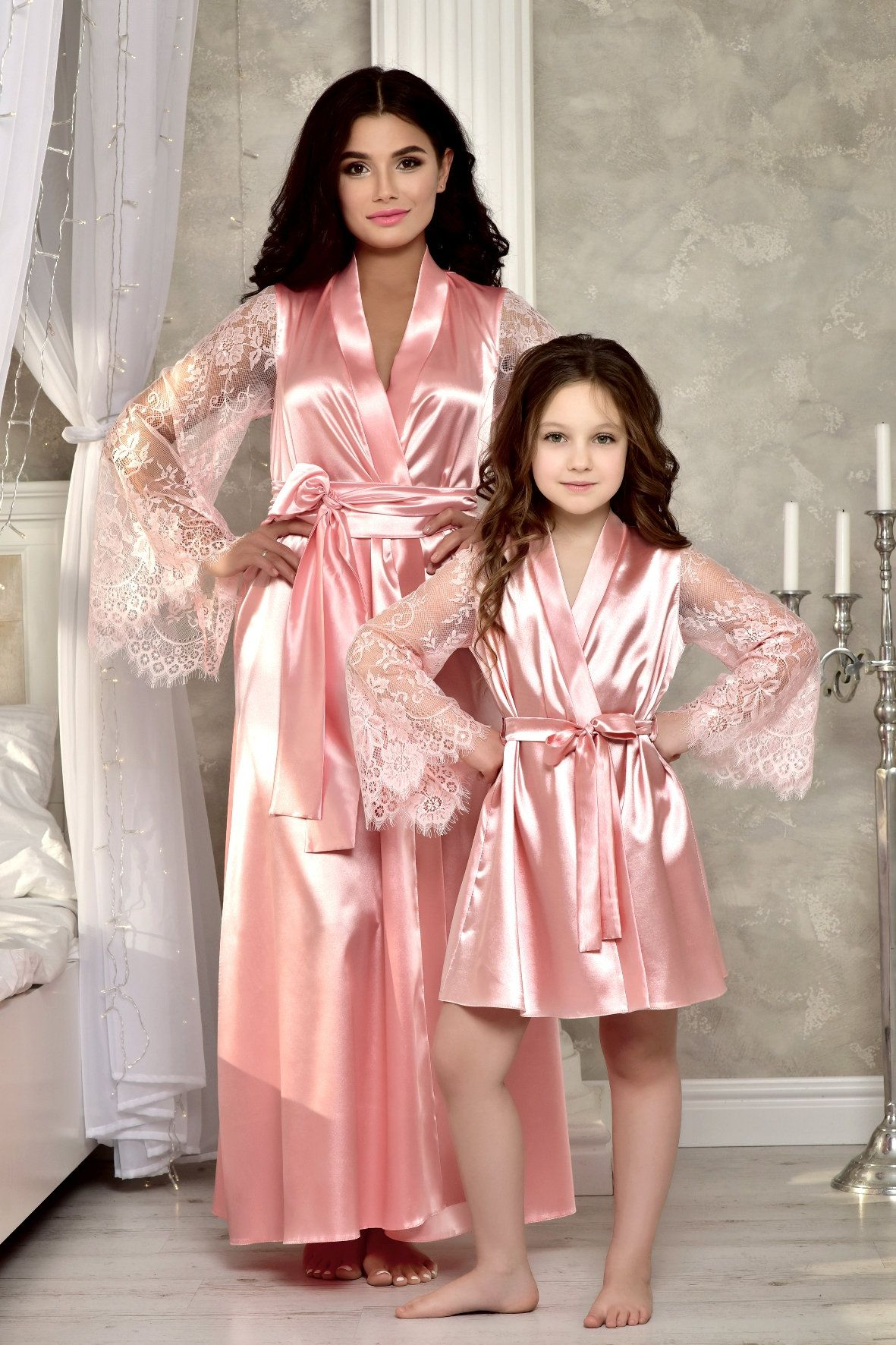 Short MORFORU Clear Rhinestones Flower Girl Silky Satin Kimono Robe Solid Color Kids Sleepwear for Wedding Spa Party