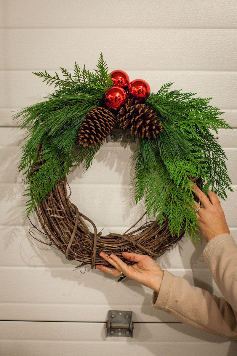 Becki and Chris DIY 06 Fresh Wreath Boxwood wreath