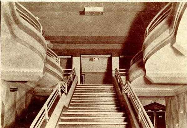 Cine Novedades Subida Al Hall 1934 Ebro Escaleras Ciudades