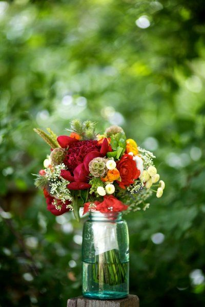 Ginna And Jadd S Wedding In Boulder Colorado Wedding Flower Photos Bridesmaid Bouquet Wedding Flowers