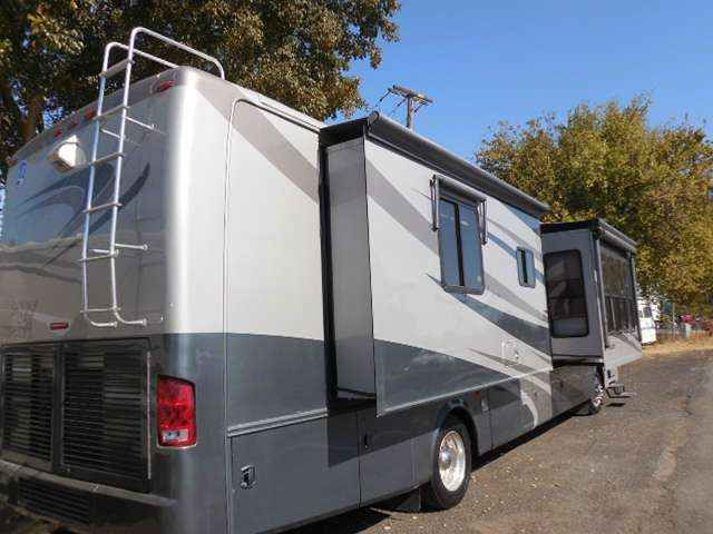 2006 Used Holiday Rambler Endeaver 40PAQ Class A in California CA.Recreational Vehicle, rv, 2006 Holiday Rambler Endeaver 40PAQ 2006 Holiday Rambler Endeavor 40PAQ Quad-slide Class A Diesel Motorhome Beautiful and well appointed, the Endeavor offers luxury as well as utility! Well cared for coach has full body paint, spacious living quarters and all the amenities of home! Additional features include: 400 HP Cummins motor 10,000 lb towing capacity On board generator Power Patio Awning, slide…