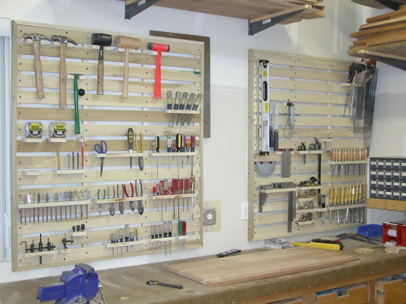 Garage tool rack made from pallets do it yourself for Warehouse racking design software
