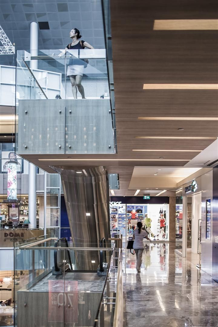 Corridor Roof Design: Paragon Shopping Mall Singapore By DP