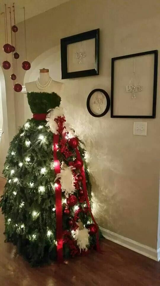 Christmas Tree As A Woman S Dress So Creative So Me Dress Form Christmas Tree Christmas Tree Dress Mannequin Christmas Tree