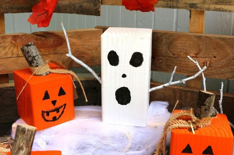 Turn Wooden Blocks into Halloween Ghosts and Snowmen